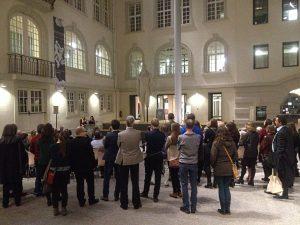 """Eröffnung """"Ansichtssache"""", Rede von Antje-Sophie Menscher und Annemarie Schantor; Foto: museOn"""
